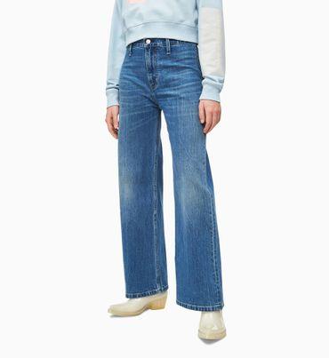 Jeans-Tobilleros-con-Pierna-Ancha