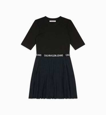 Vestido-Plisado-De-Manga-Corta