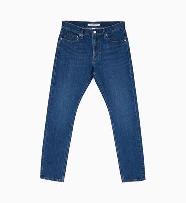 CKJ-026-Jeans-Slim-Fit-con-Bordado