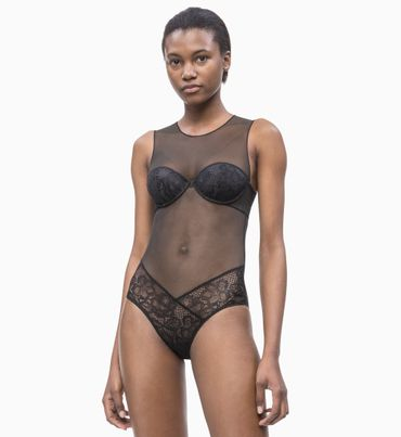 Body-de-Flores---CK-Black-Calvin-Klein