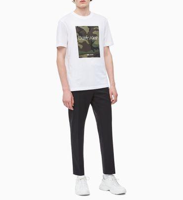 Camiseta-Con-Logo-Con-Estampado-De-Camuflaje-Calvin-Klein