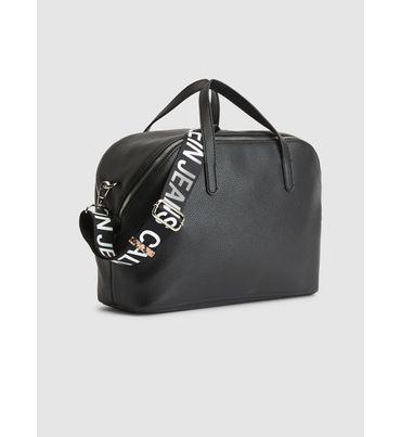 Bolsa-con-cinta-Calvin-Klein