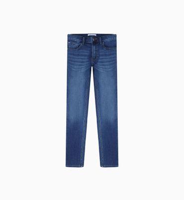 Jeans-Tipo-Slim-Calvin-Klein