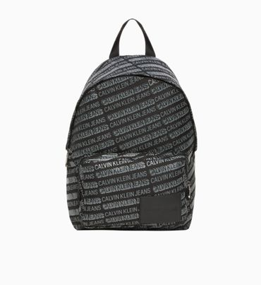 Mochila-con-Logotipo-Estampado-Calvin-Klein