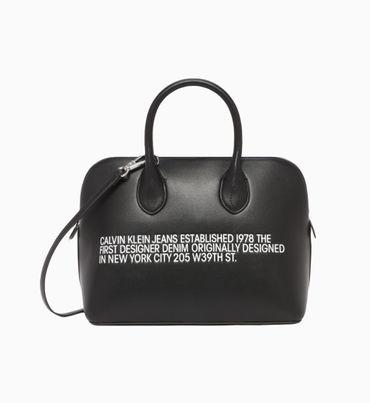 Bolsa-de-Mano-con-Texto-Calvin-Klein