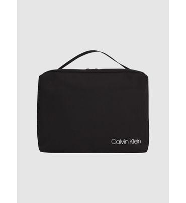 Neceser-De-Nailon-Reciclado-Calvin-Klein