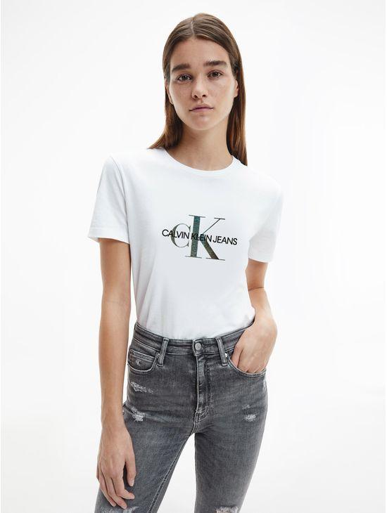 Playera-de-algodon-organico-con-logo-iridiscente-Calvin-Klein