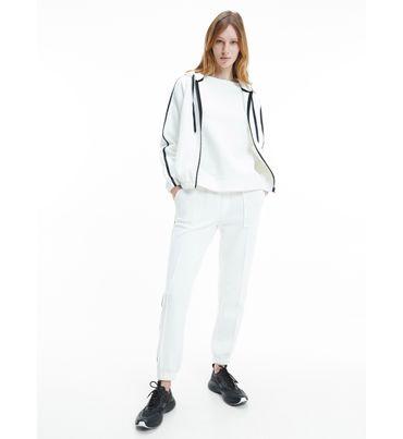 Pants-con-lineas-en-contraste-a-los-lados-Calvin-Klein